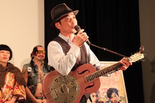 6 主題歌を担当したナカムラさん(モアリズム)